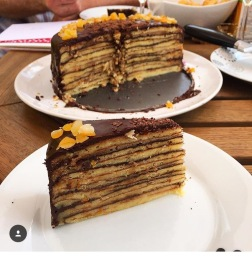 mum cake slices